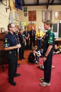 Øystein mottar Scout Medallion